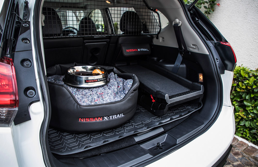 The package includes several accessories, which can be ordered (even individually) through your Nissan dealer.