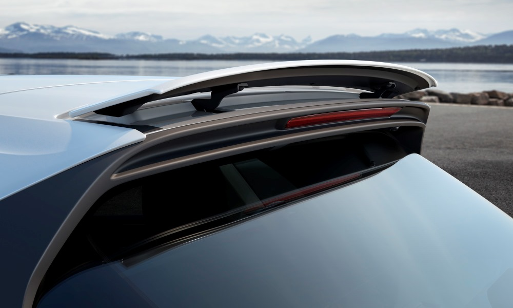 The active roof spoiler.