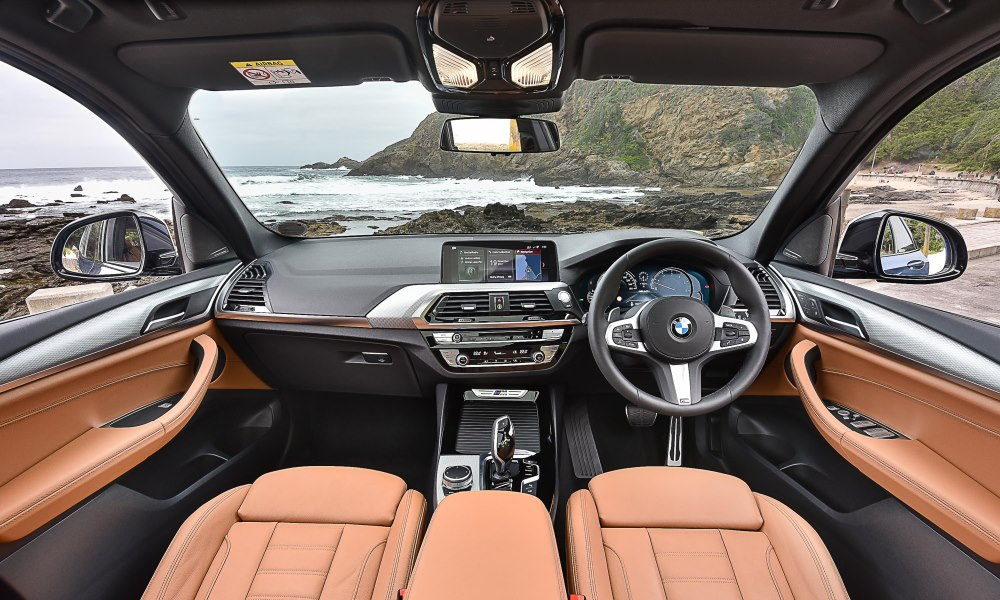 The cabin draws some elements from its 5 and 7 Series siblings.