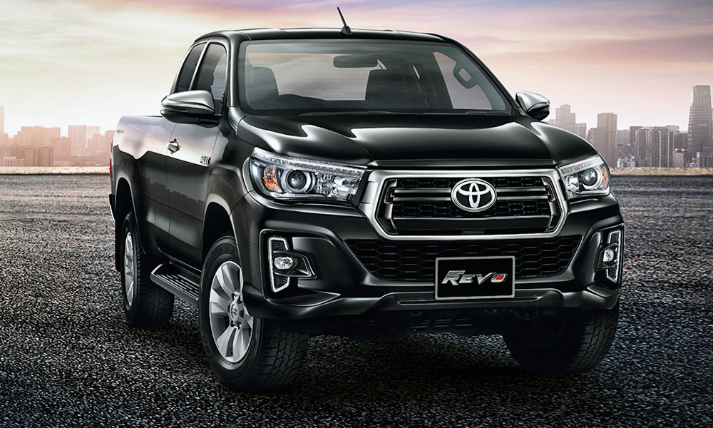 Note the new Tacoma-style grille.