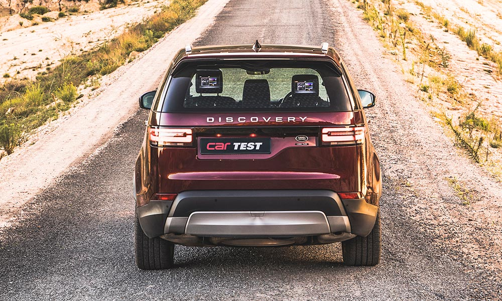 Offset numberplate harks back to previous-generation Discovery.
