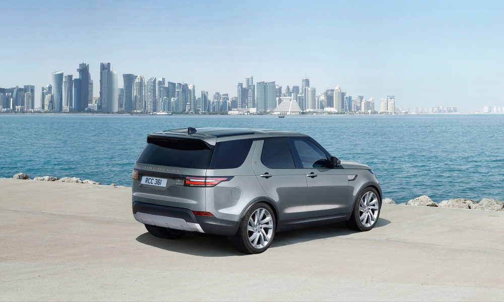 The Land Rover Discovery Commercial does not look very, well, commercial...