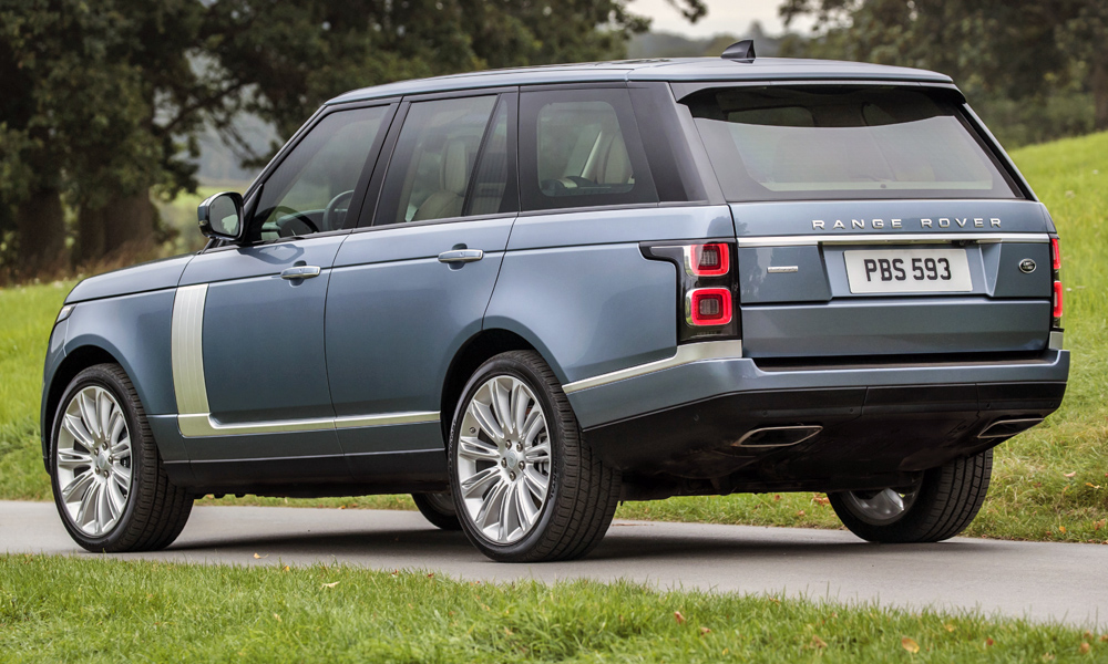 here 39 s how much the updated range rover will cost car magazine. Black Bedroom Furniture Sets. Home Design Ideas