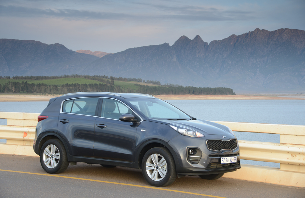 Impressive comfort aside, undoubtedly a highlight of this package is the combination of a refined and capable 1,7-litre CRDi engine and slick six-speed manual gearbox.