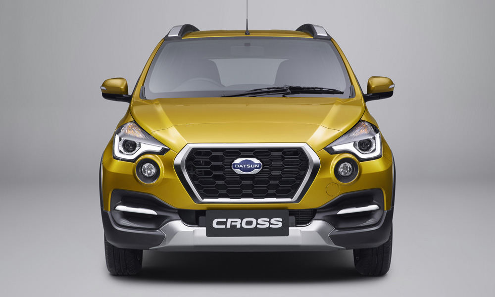 The Indonesia-spec Cross features automatic headlamps, with LED daytime running elements.