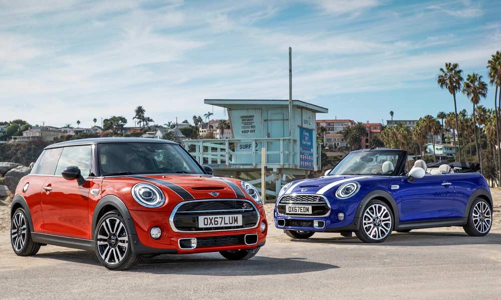 Mini has revealed its lightly refreshed hatchback and convertible.