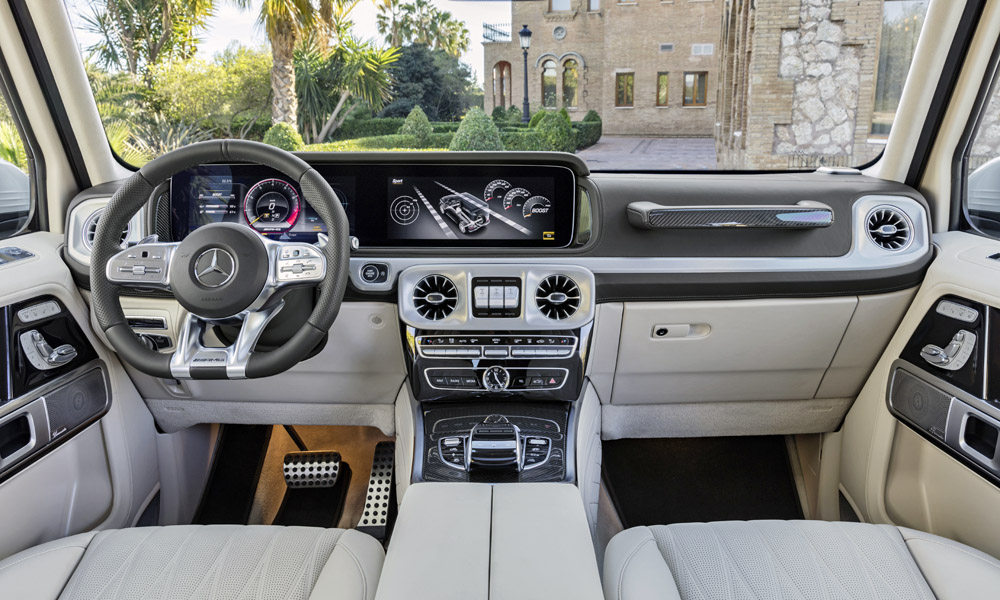 The cabin builds on that of the new G-Class.