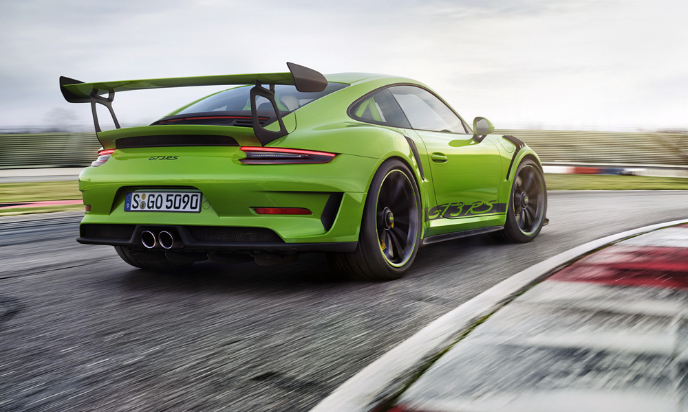 Meet the latest (more powerful) Porsche 911 GT3 RS... - CAR magazine