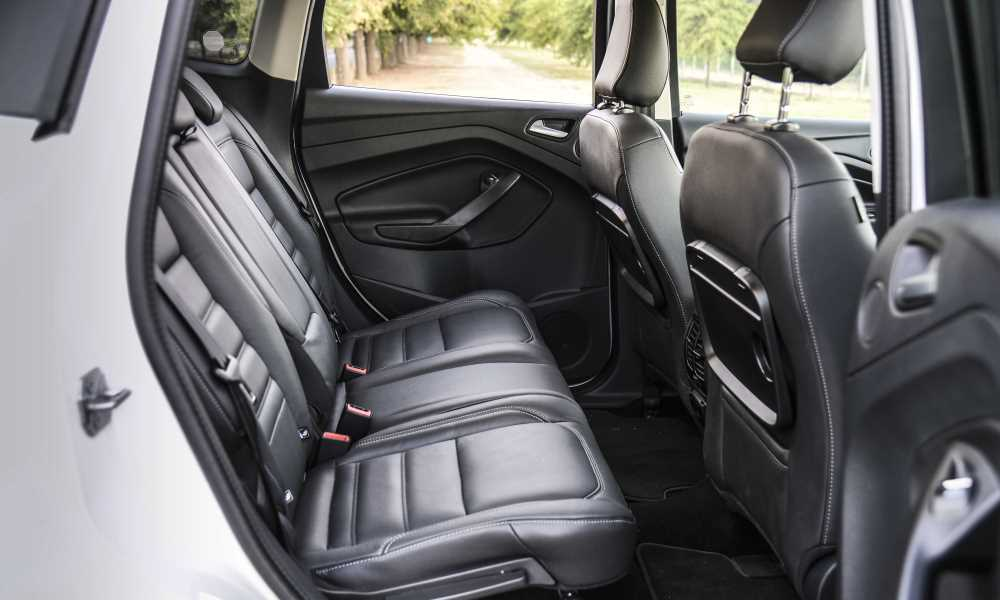 In- and egress from the Kuga is easy thanks to big doors; rear legroom abundant.
