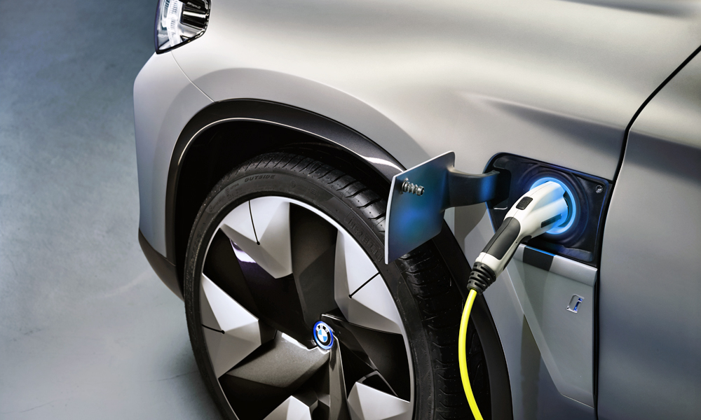 The high-voltage battery has a net capacity of more than 70 kWh.