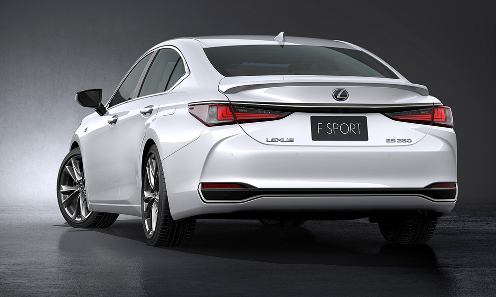 Lexus has revealed its new ES sedan.