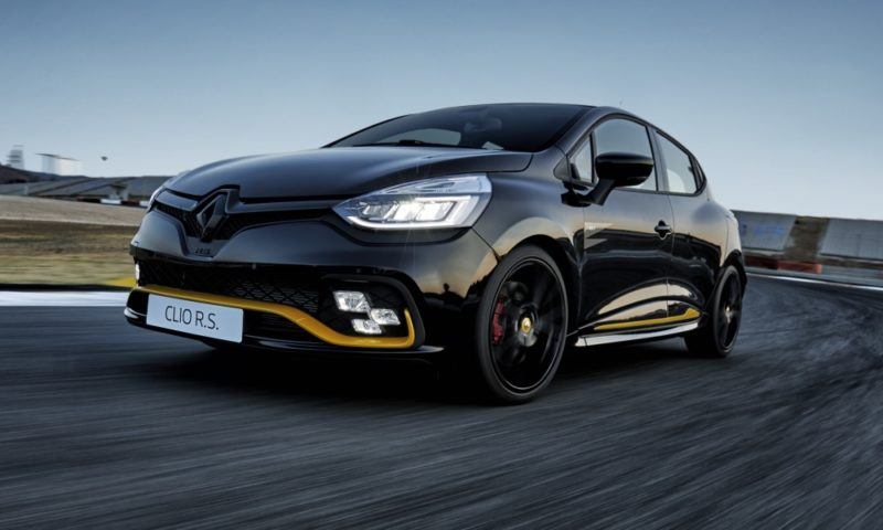 Clio RS 18 front