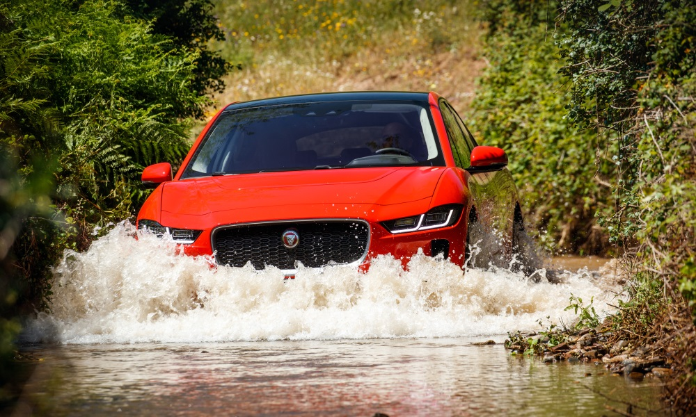 The I-Pace is not afraid of water thanks to its 500 mm wading depth.