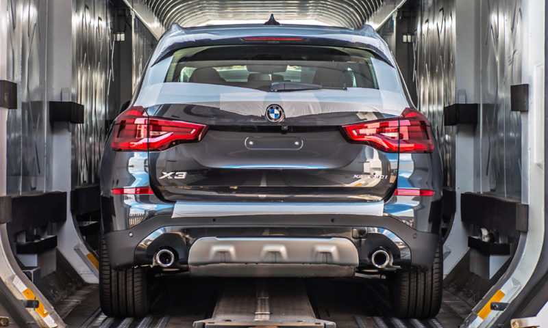 BMW X3 units leaving Plant Rosslyn for export