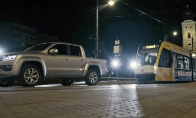 Volkswagen Amarok pulls train
