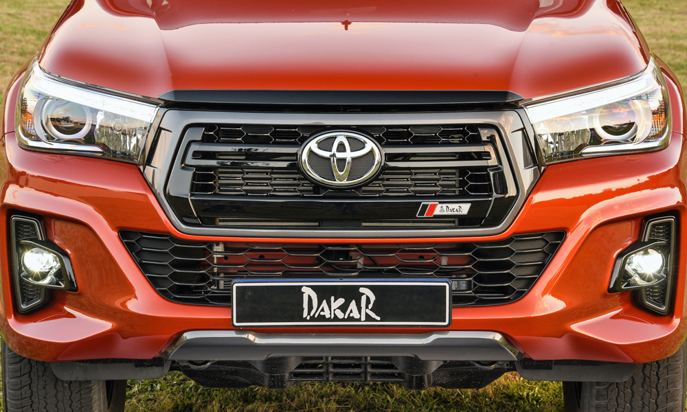 A closer look at the Tacoma-style hexagonal grille.