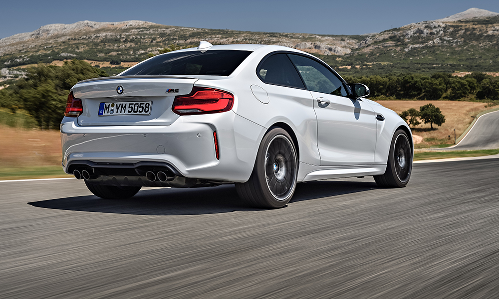 A two-pass exhaust system has two electrically controlled flaps. The result? An indulgent burble rising to a hair-raising inline scream.