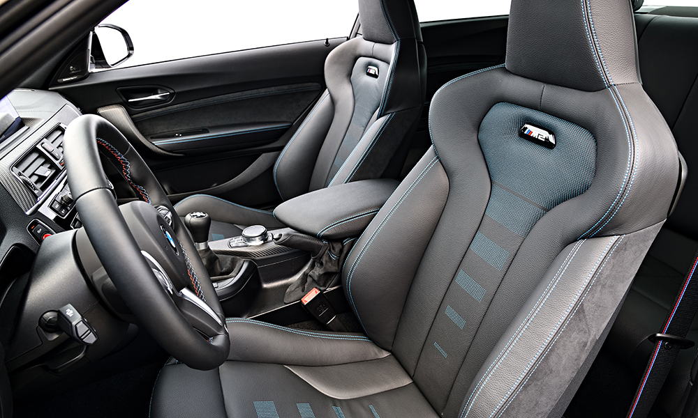 The seats are fantastically supportive without feeling constricting.