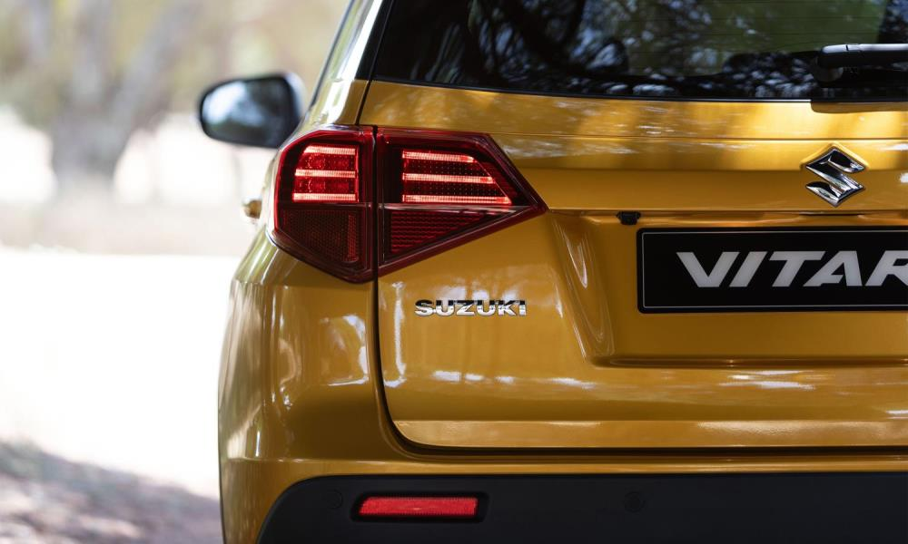 LED head- and taillamps are redesigned.