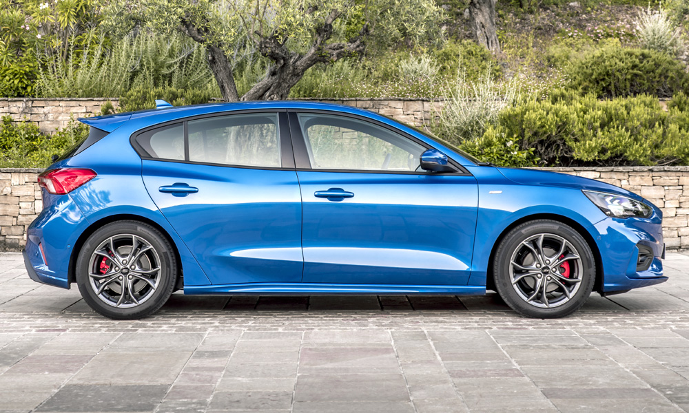 The new Focus hatch is a full 120 mm longer than a Volkswagen Golf.