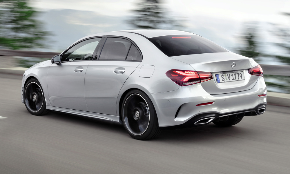 It shares its wheelbase with that of the hatchback.