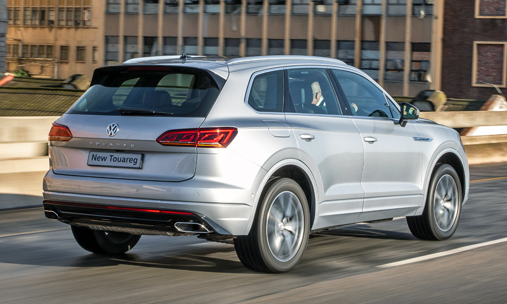 The third-gen Touareg employs a 3,0-litre turbodiesel worth 190 kW and 600 N.m.