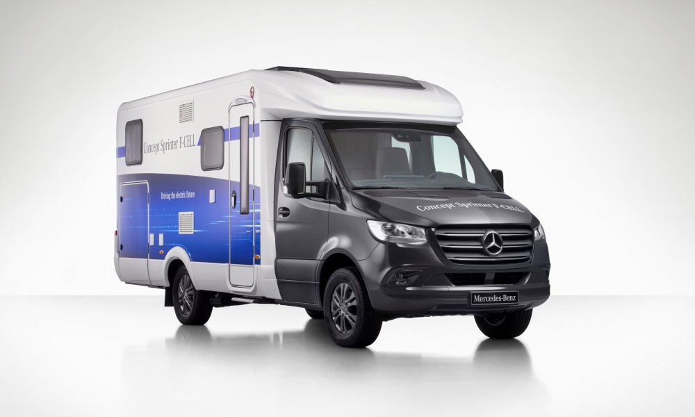 The Sprinter F-CELL is emissions-free with a plug-in hybrid and fuel cell powertrain.