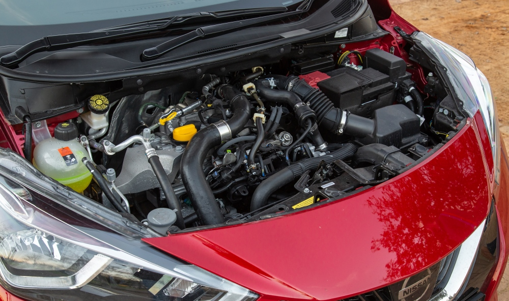 The 0,9-litre engine is punchy higher up in the rev range.