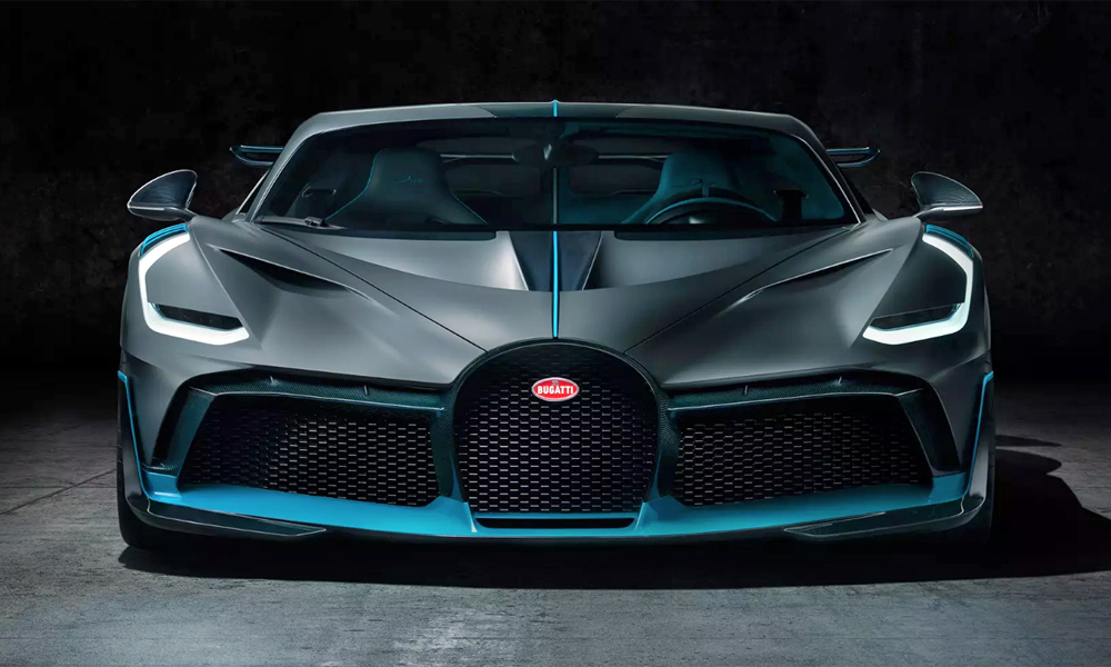 It is also some 35 kg lighter than the Chiron.