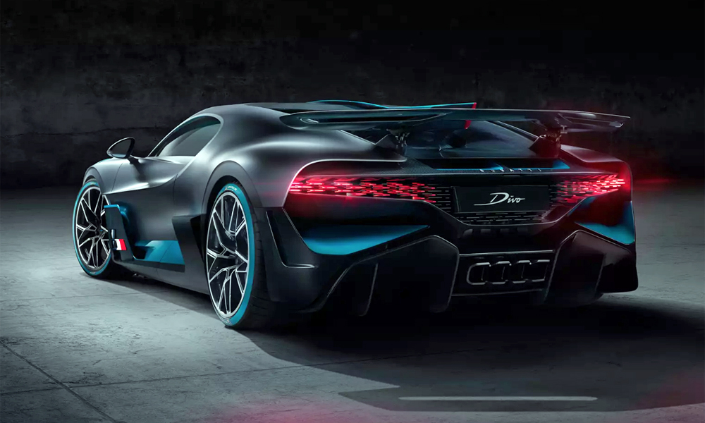 The Divo boasts 90 kg more downforce than the Chiron.