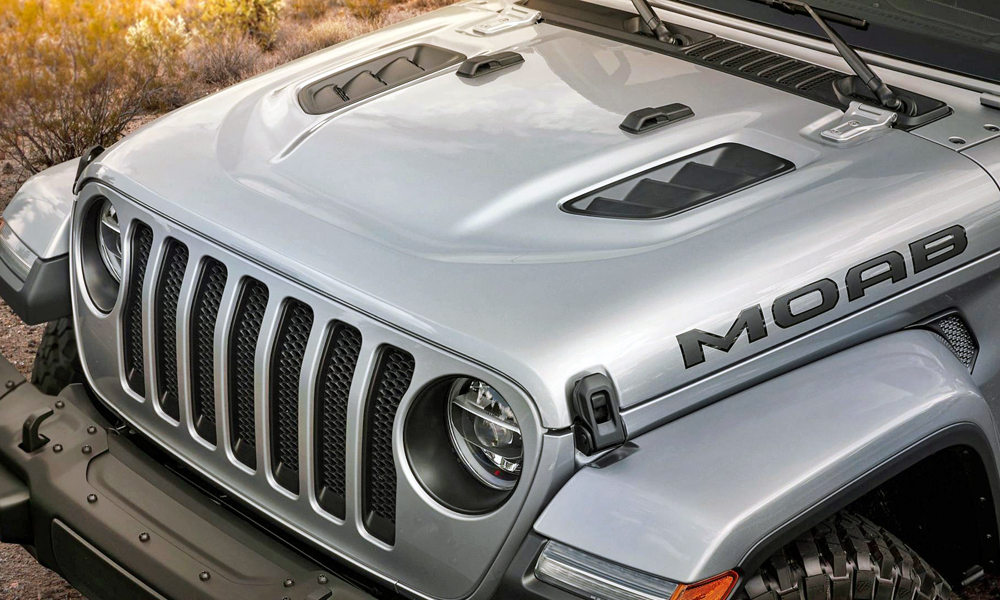 The Moab Edition features the Rubicon bonnet as standard.