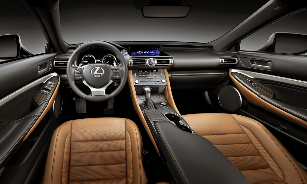 Note the new analogue clock, borrowed from the  flagship LC coupé.