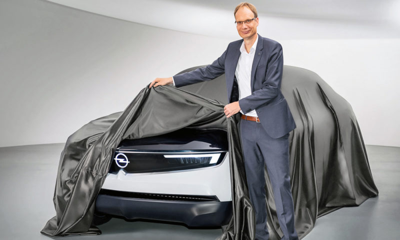 Opel CEO Michael Lohscheller and the GT X Experimental concept.