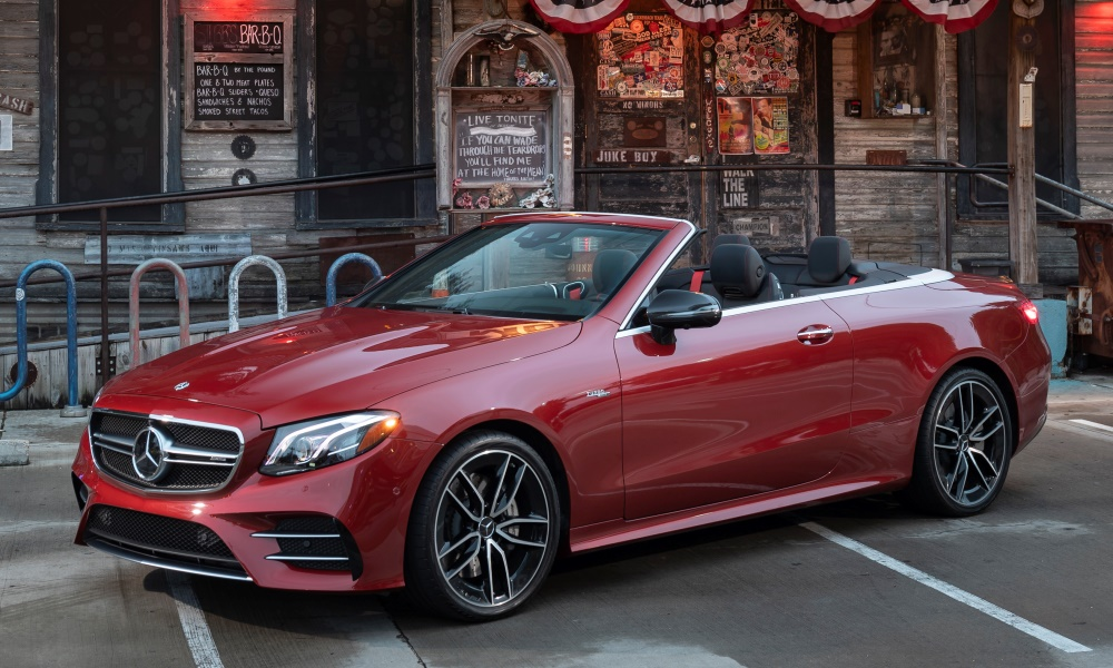 Although it's the flagship of the cabriolet range, the E53 doesn't scream performance.