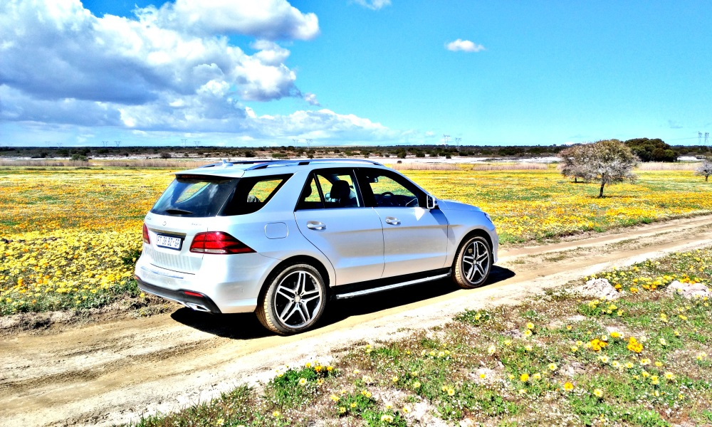 Moderate off-roading is fine with optional 21-inch wheels fitted.