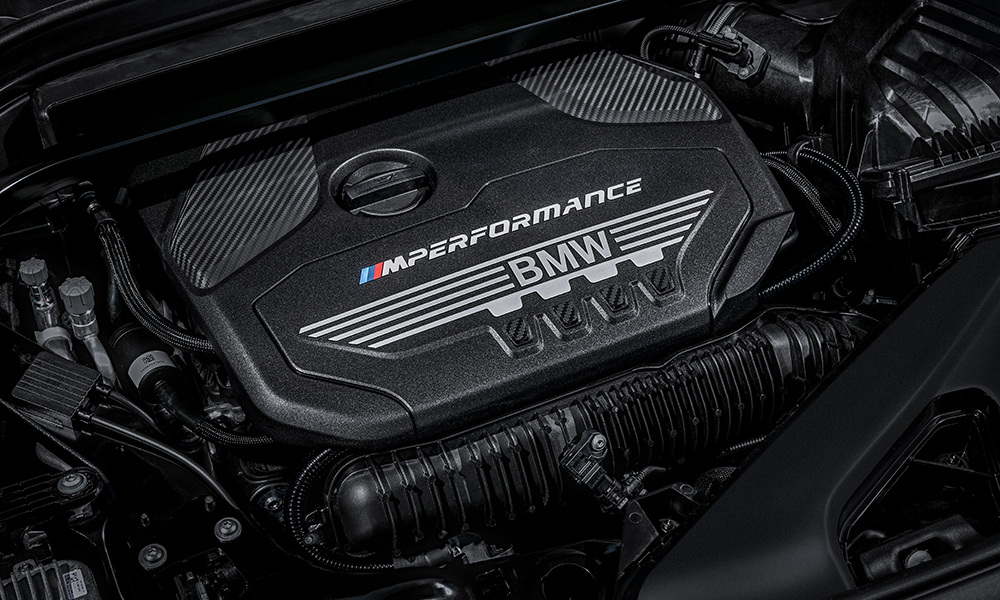 The petrol powered heart of the X2 M35i looks to offer strong performance with a claimed 0-100 km/h time of 4,9 seconds.