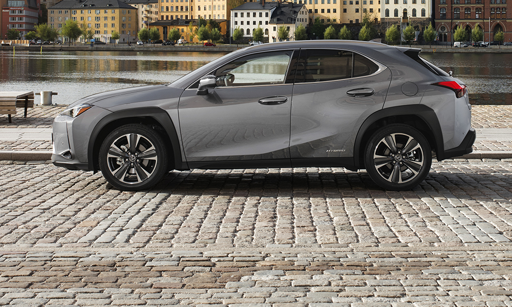 Measuring just short of 4,5 metres, the UX is compact for the class. F Sport models ride on 18-inch alloys wrapped in run-flat tyres.