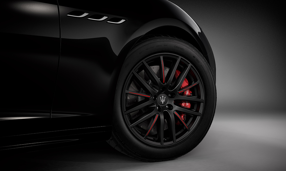 19-inch Proteo alloy wheels and red brake callipers complete the Ribelle's look.