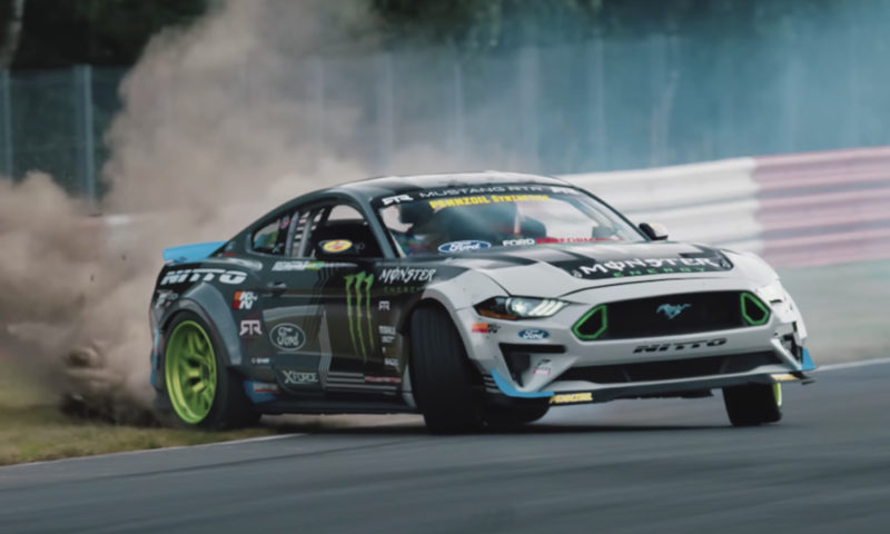 Mustang RTR drifted