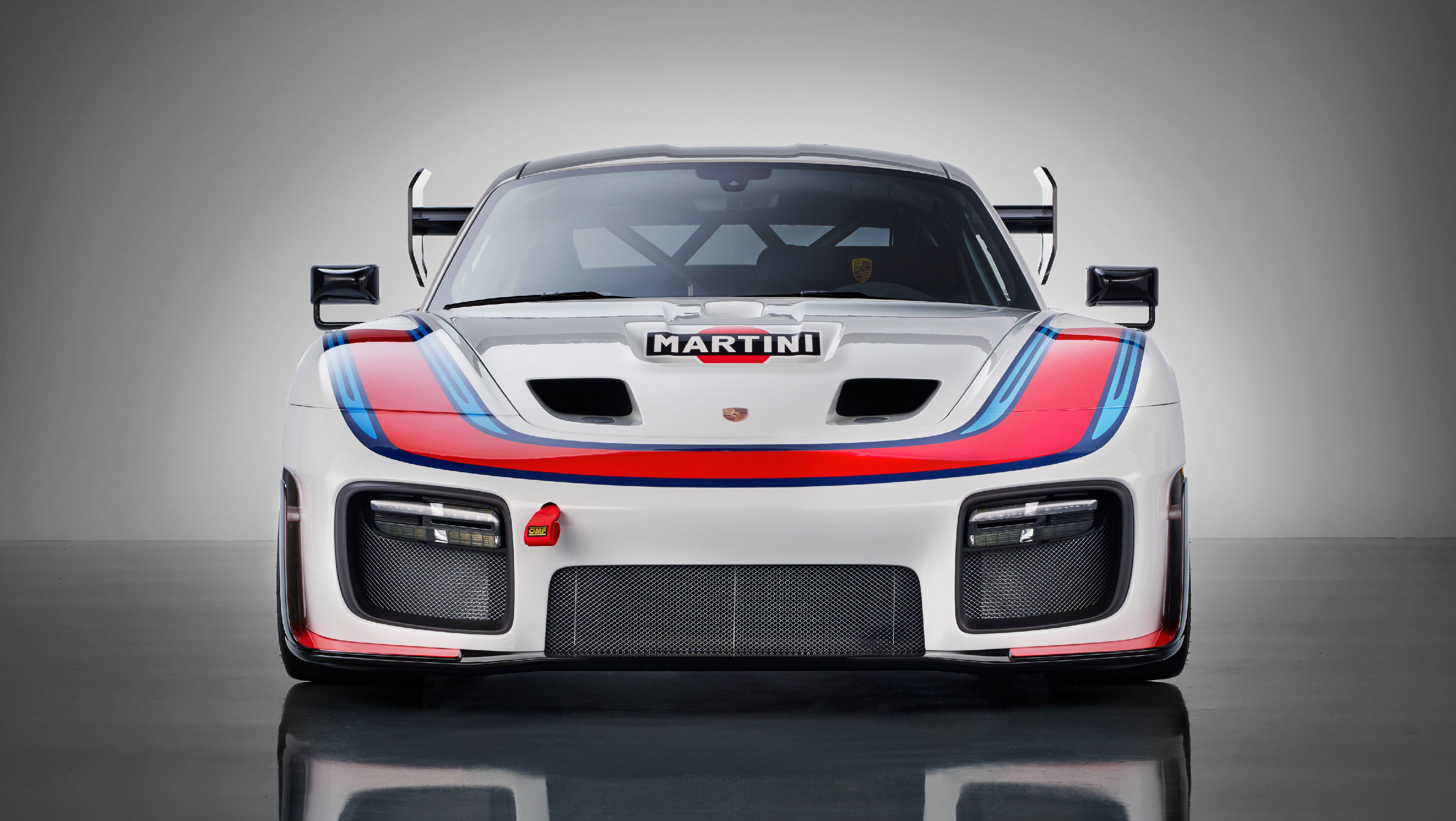 Based on the 991.2 generation GT2 RS, only 77 of this 935 will be made.