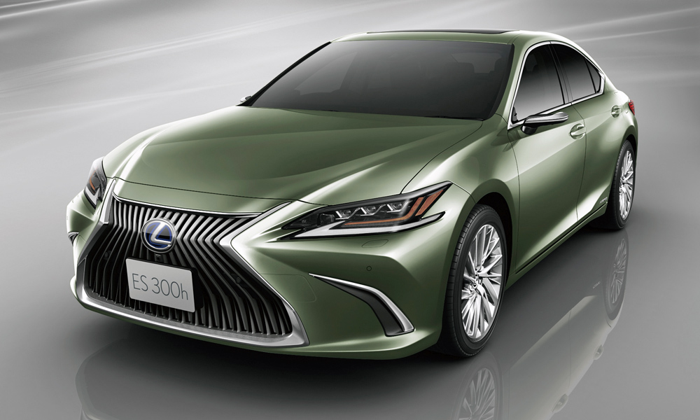 The digital exterior mirrors will debut on the new ES in Japan.
