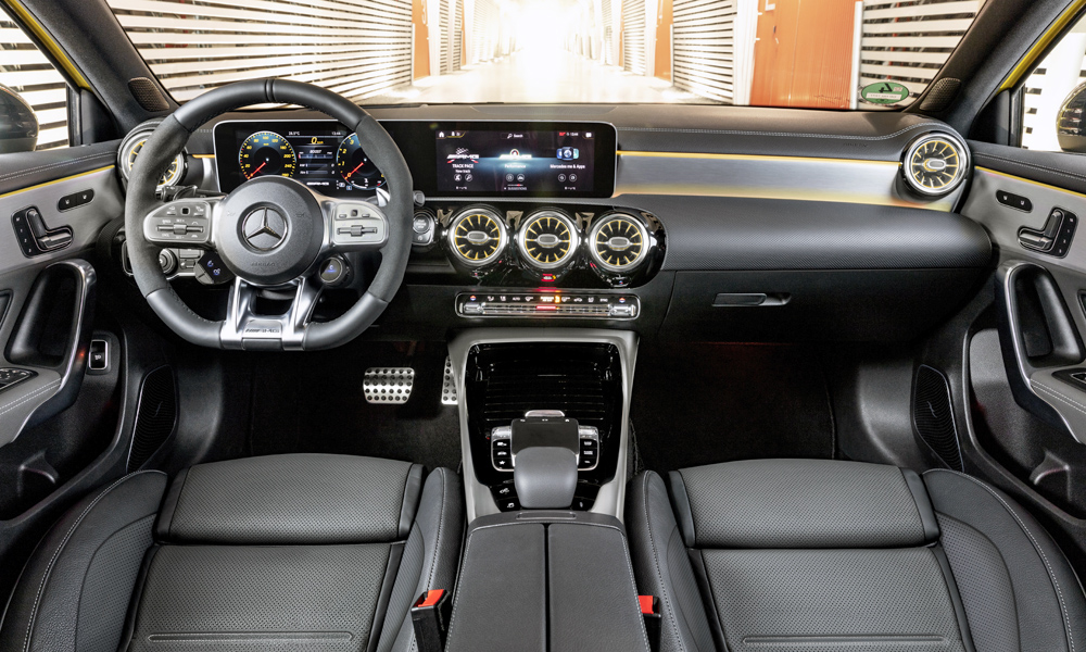 Note the new-generation AMG steering wheel.