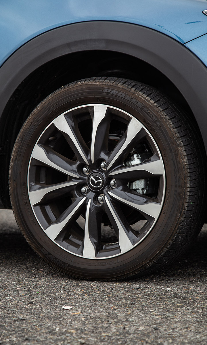 Redesigned dual-tone 18-inch alloy wheels come standard.