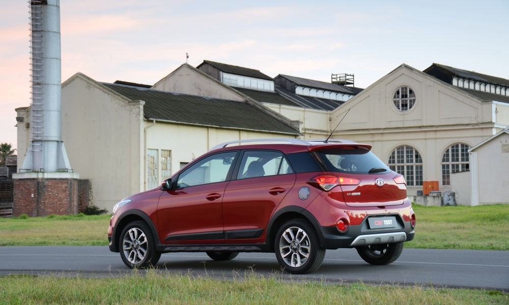 While the rest of the i20 range gets a restyled rear-end, the Active retains the pre-facelift's tailgate.