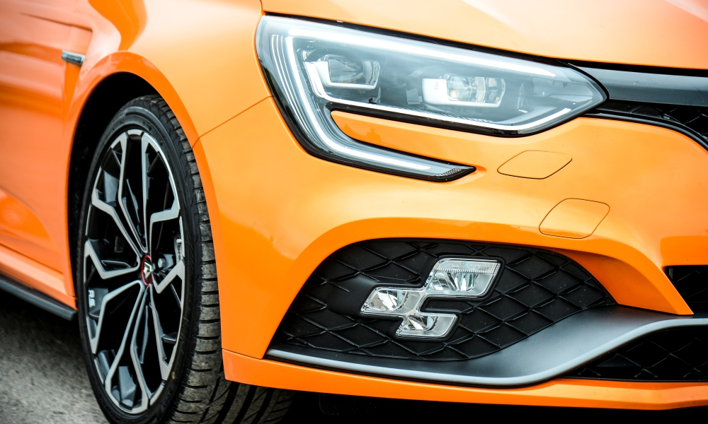 RS Vision foglamps double as cornering lights and high-beam assist.