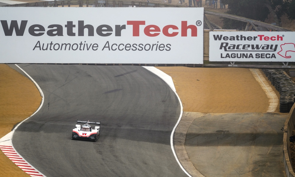 Trying to get a decent picture of the 919 Evo at full throttle requires skill.
