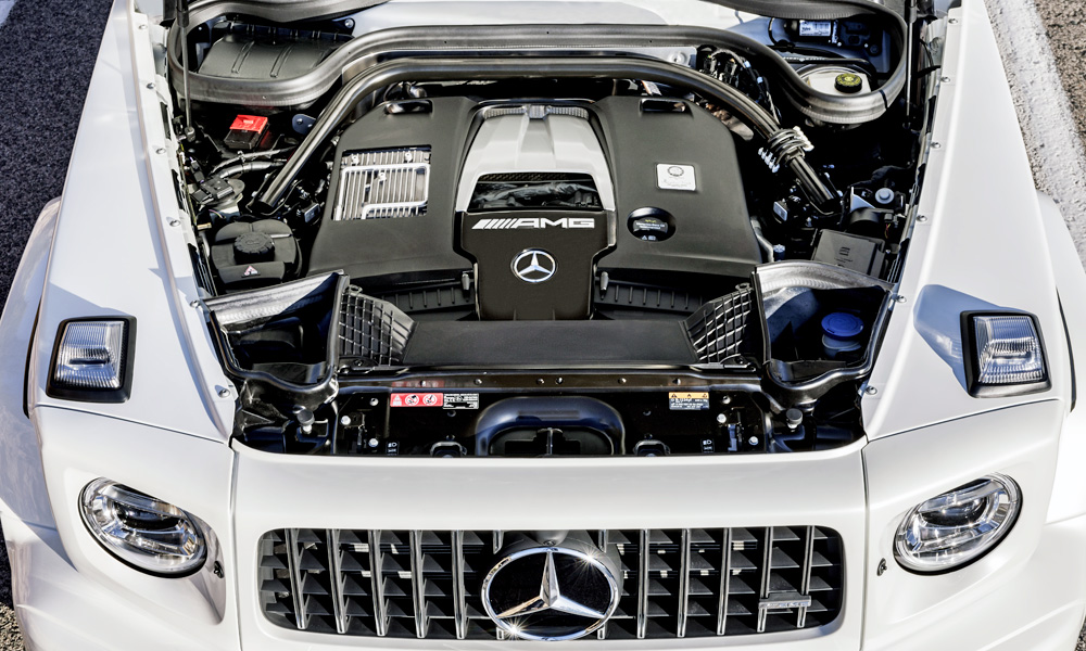 The 4,0-litre V8 churns out 430 kW.