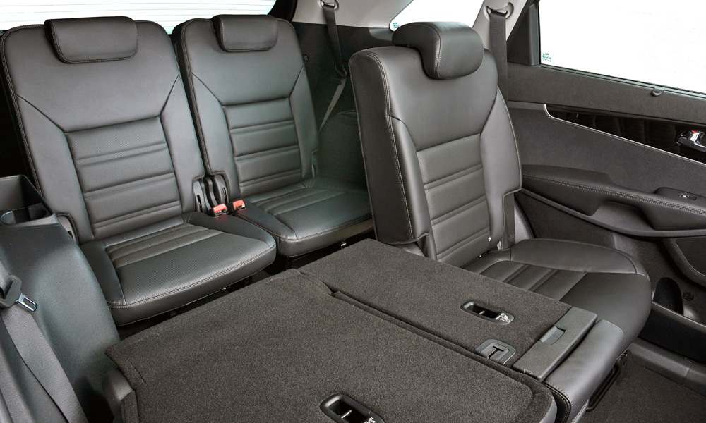 All variants feature seven seats and leather upholstery.