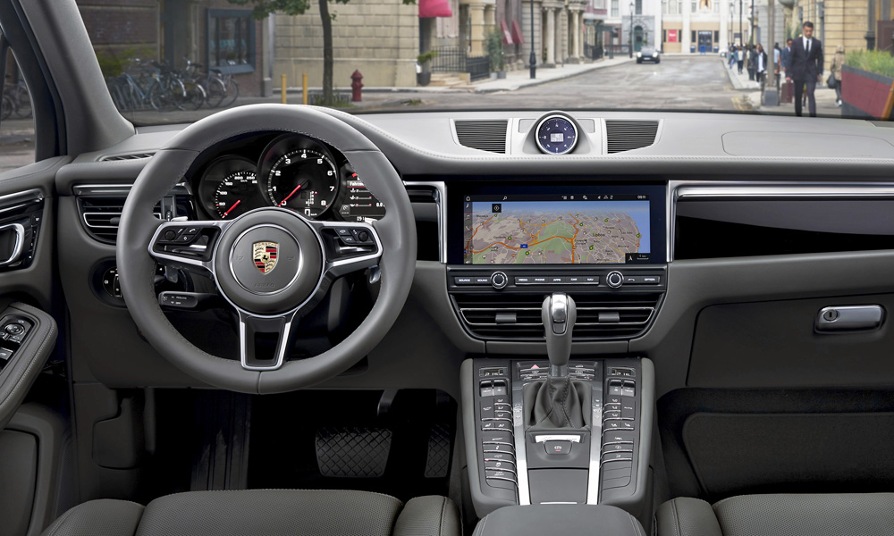 The updated new infotainment system runs off a 10,9-inch touchscreen.