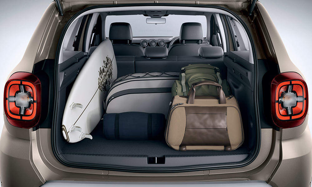 On 4x2 models, the boot capacity measures a claimed 478 litres with the seats up. The single AWD variant's load volume measures 414 litres.